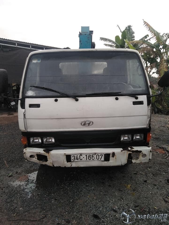 Bán xe Huyndai cẩu 3.5 tấn sản xuất 1996
