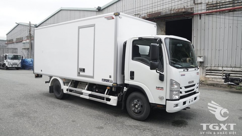 Bán xe tải trả góp Isuzu NPR400 thùng bảo ôn đóng Quyền Auto tải 3T7