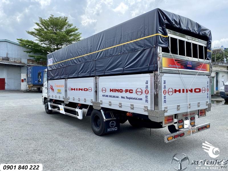 Hino FC9JNTC thùng bạt, tải 6T5 thùng 6m7, trả góp 80%