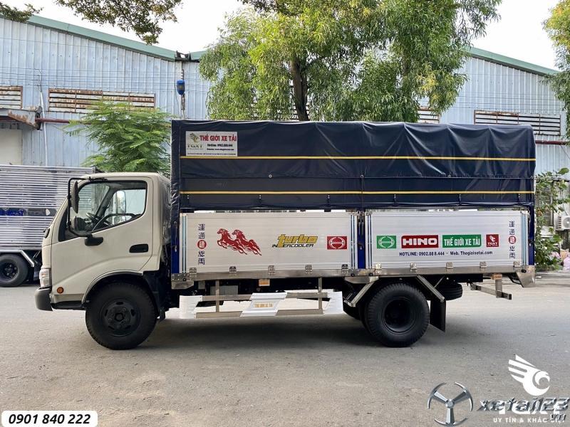 Hino XZU342L tải 3T5 và 5T, thùng 4m5, trả trước 20% nhận xe