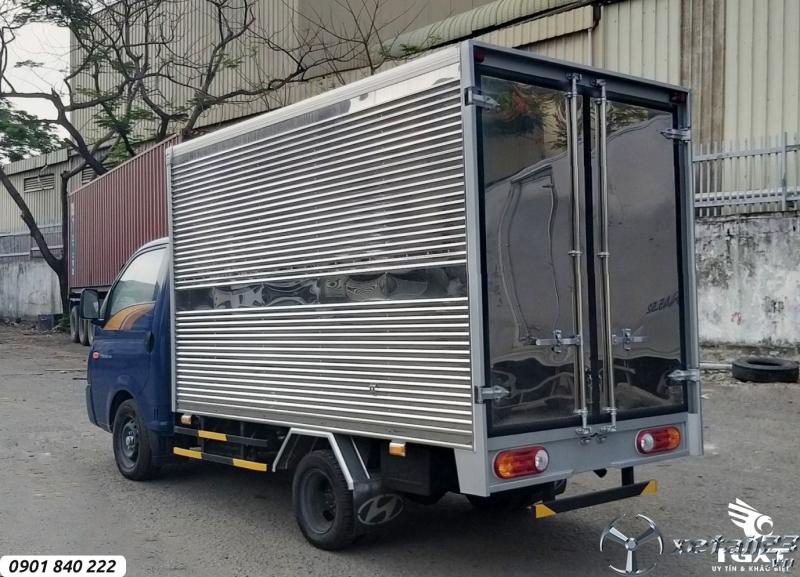 Hyundai H150 thùng kín, xe có sẵn, giao ngay, hỗ trợ ngân hàng 80%