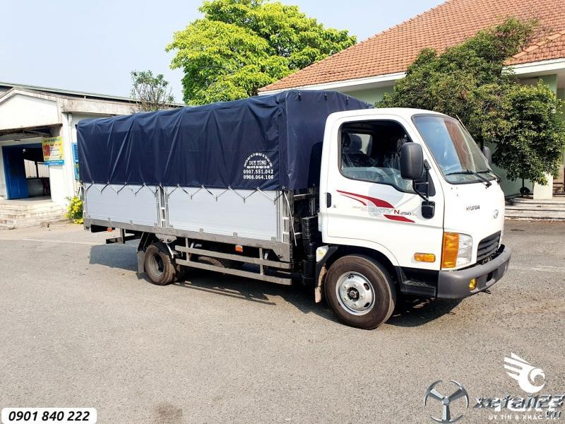 Hyundai N250SL tải 2T5, thùng 4m3, trả trước 20%