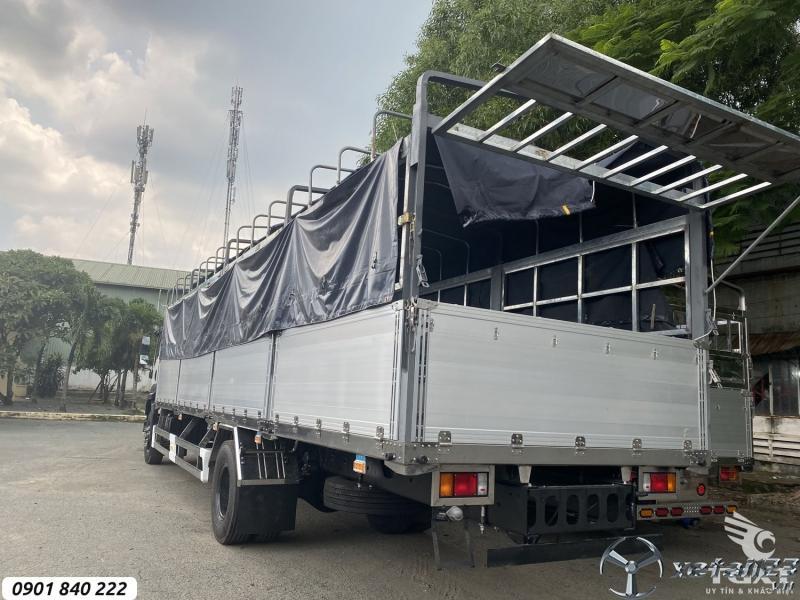 Isuzu FVR900 thùng bạt, ra tải 8T, thùng 7m4, 8m2 và 9m6