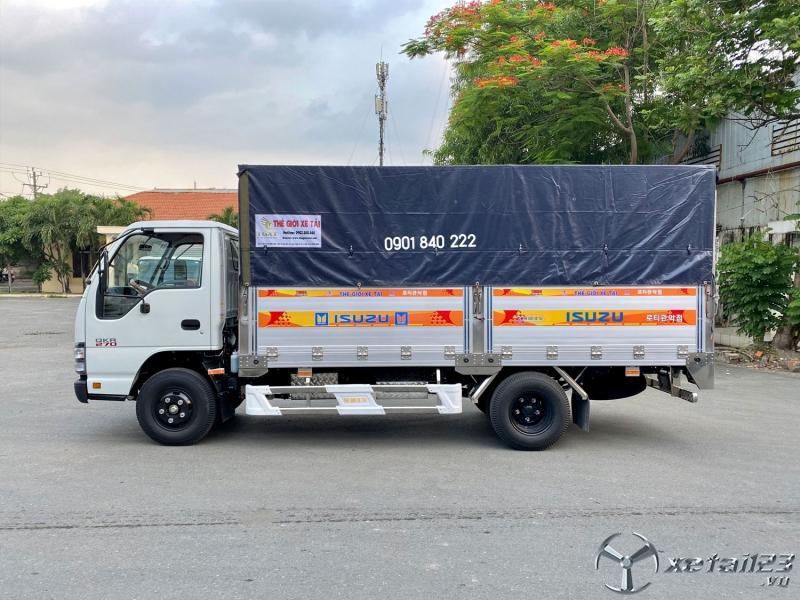 Isuzu QKR270 thùng bạt, xe 2020, trả trước 80%