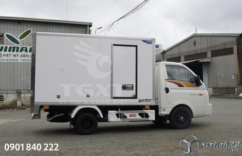 Xe Hyundai H150 thùng đông lạnh có sẵn, giao xe ngay