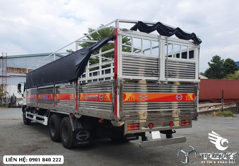 Xe tải Hino FM thùng bạt, tải 14T thùng 9m4, vay 80%