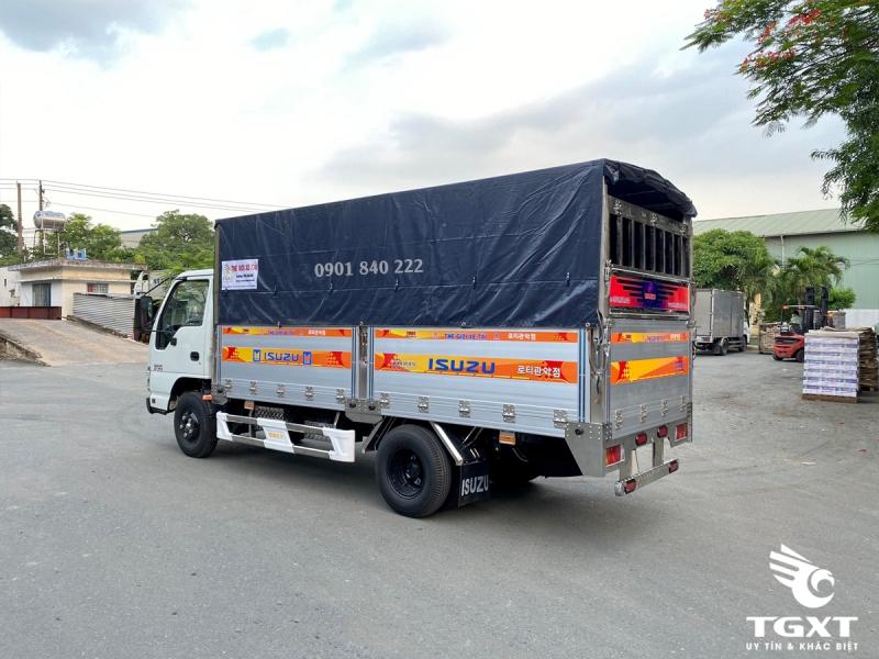 Xe tải Isuzu QKR270 thùng bạt bửng nhôm, trả trước 140tr nhận xe