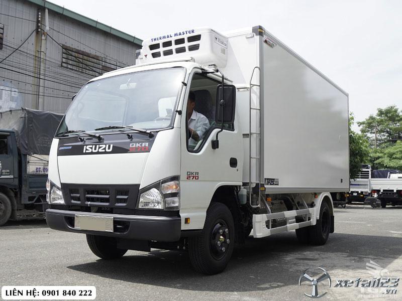 Xe tải Isuzu QKR270 thùng đông lạnh tải 2T, trả góp 80%