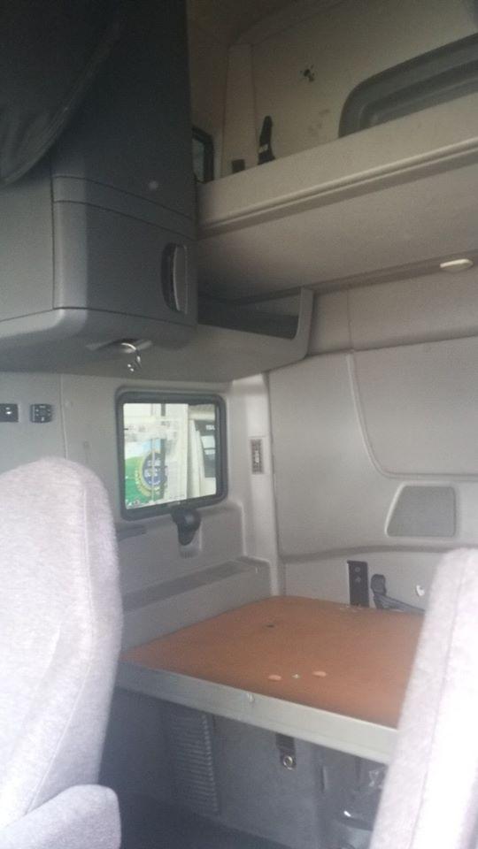 Bán đầu kéo freightliner N13 đời 2014