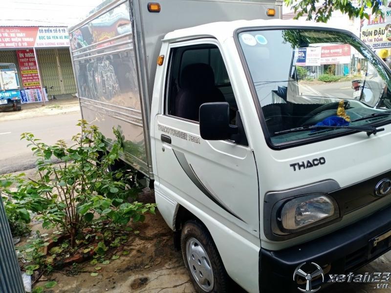 Bán Thaco Towner 750A đời 2017 thùng kín với giá 100 triệu , sẵn xe giao ngay