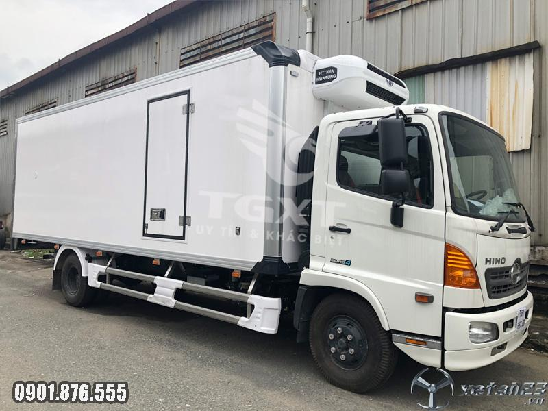 Xe tải Hino FC thùng đông lạnh hỗ trợ vay vốn 80%, xe giao ngay