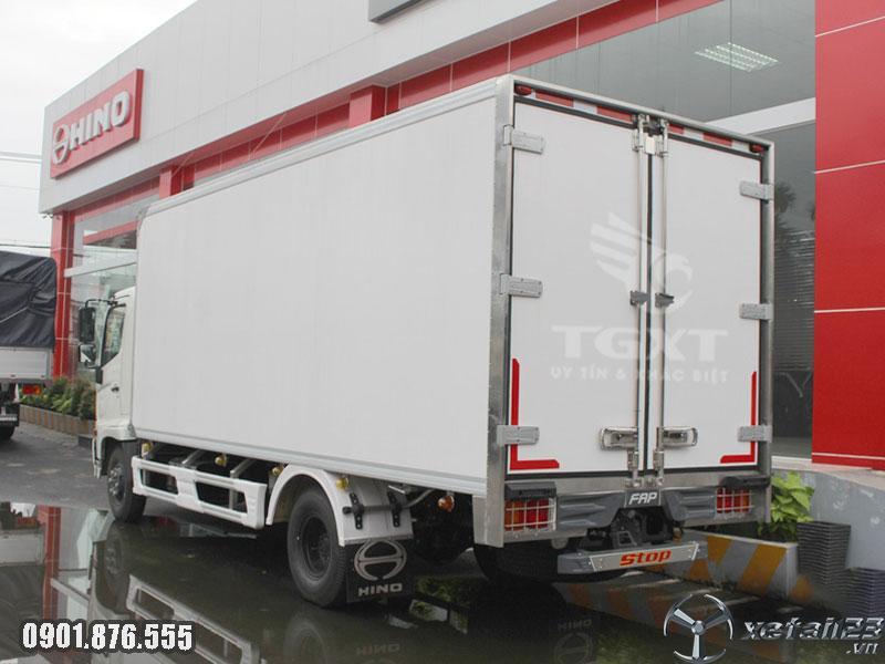 Xe tải Hino FC thùng đông lạnh mới nhất ngân hàng hỗ trợ vay cao