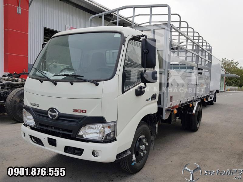 Xe tải Hino XZU650L thùng mui bạt dài 4m3 ngân hàng hỗ trợ vay cao