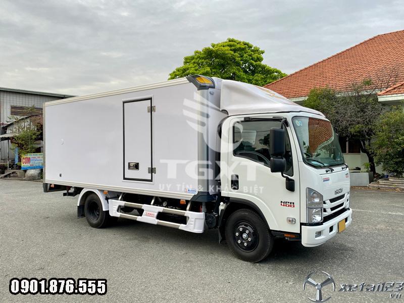 Xe tải Isuzu NPR400 3T5 /thùng bảo ôn dài 5m2/ xe có sẵn giao nhanh