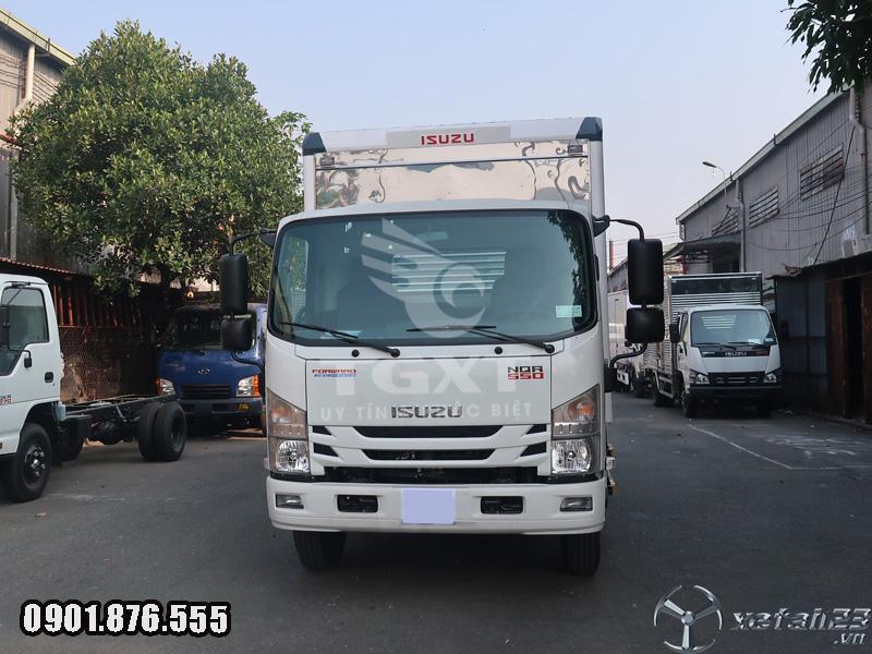 Xe tải Isuzu NQR550 thùng kín dài 6m2/ hỗ trợ trả trước 10-20%