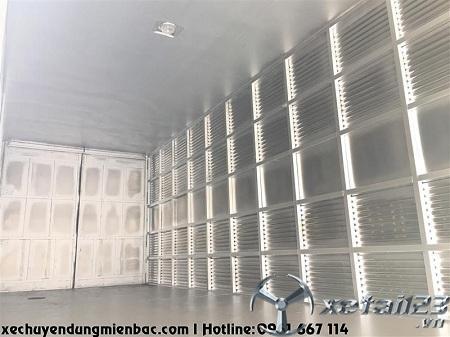 Xe tải thùng kín 8,3 tấn DONGFENG B180 dài 7,8m