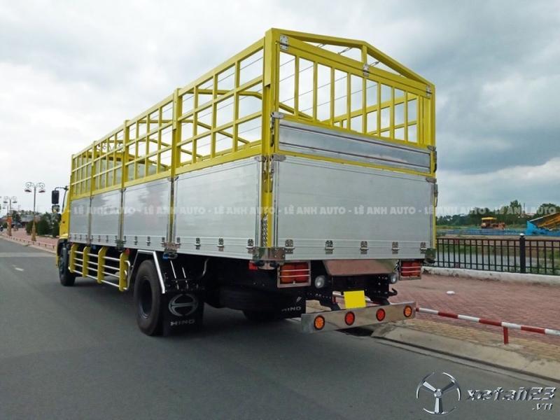 Xe tải Hino 8 tấn thùng dài 9m sản xuất 2020