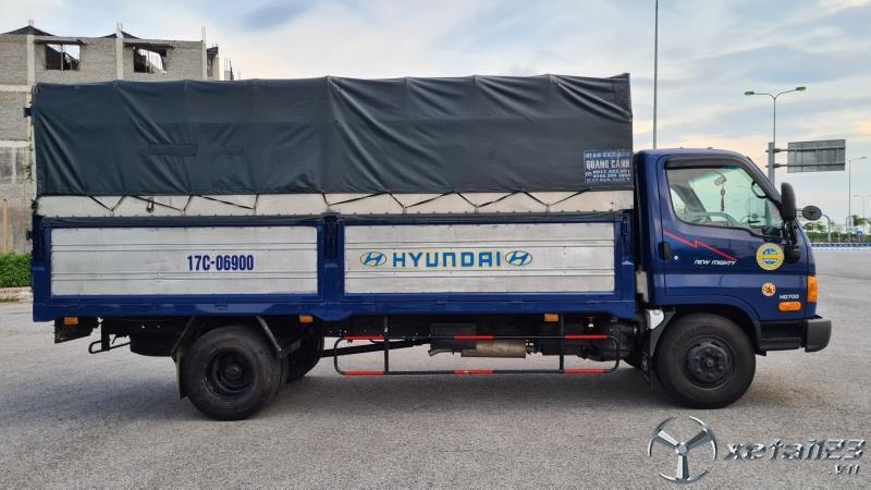 Cần bán gấp xe Hyundai HD 700 sản xuất năm 2016 thùng mui bạt , giá 545 triệu