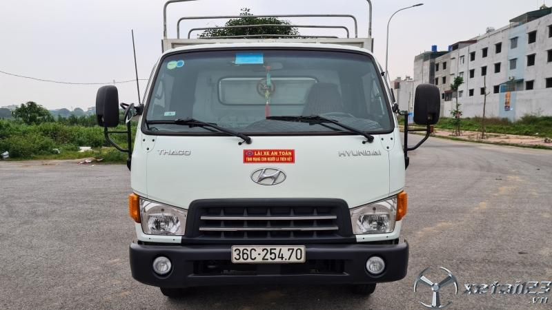 Rao bán xe Hyundai HD 345 tải 2,6 tấn chở gia súc , gia cầm đời 2015