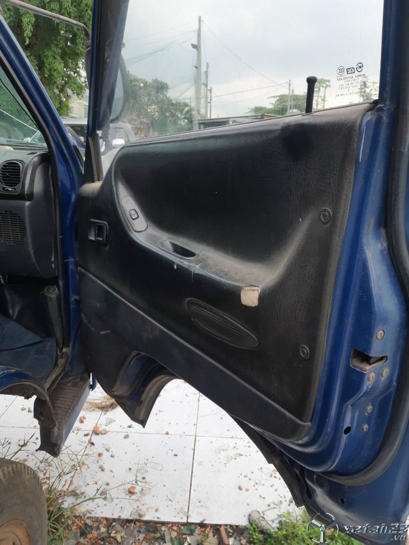 Cần bán xe Hyundai Porter 1,25 tấn đời 2005 thùng mui bạt giá 125 triệu