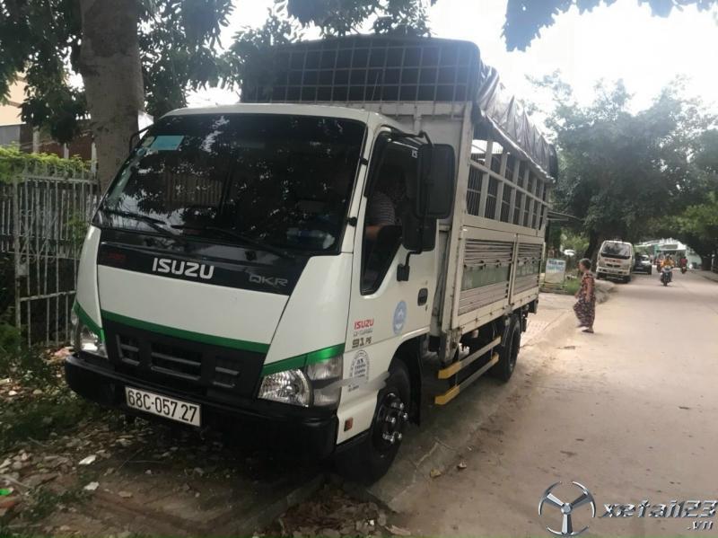Rao bán xe Isuzu 2 tấn đời 2016 thùng mui bạt giá rẻ chỉ 380 triệu
