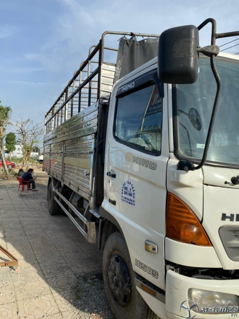 Cần bán gấp Hino FC 6,2 tấn đời 2010 thùng mui bạt với giá 580 triệu