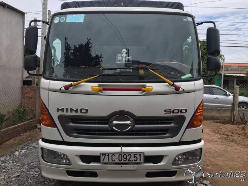 Cần bán xe Hino FC đời 2020 thùng mui bạt đã qua sử dụng .Xe mới đi 12000 Km giá 960 triệu