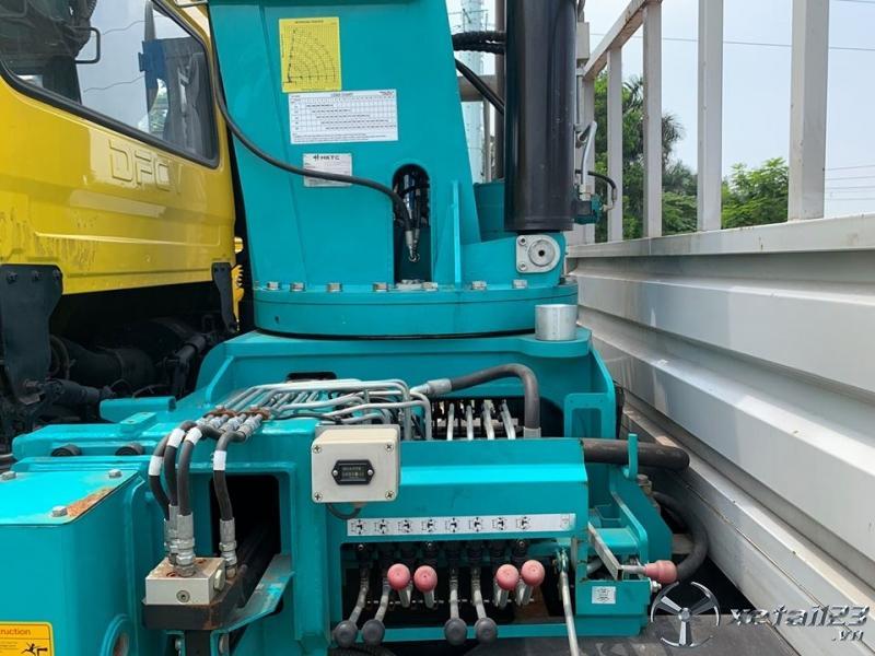 Bán xe Dongfeng gắn cẩu tự hành HTKC 12 tấn