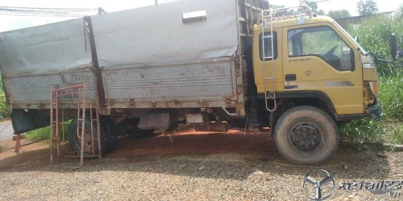 Thanh lý gấp xe Thaco FC 700 tải 6,5 tấn sản xuất năm 2009 thùng mui bạt