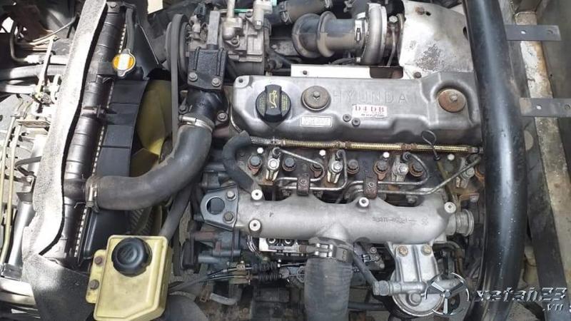 Xe Hyundai HD 65 đời 2011 thùng mui bạt cần bán , giá 325 triệu
