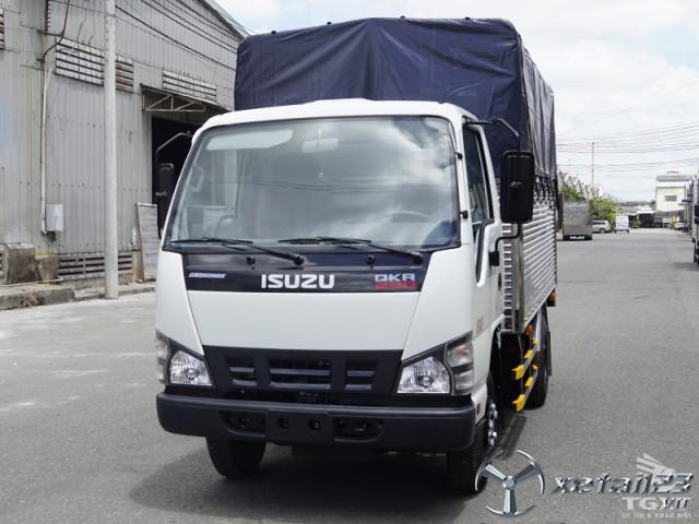 Xe tải ISUZU QKR77FE4 giá cạnh tranh