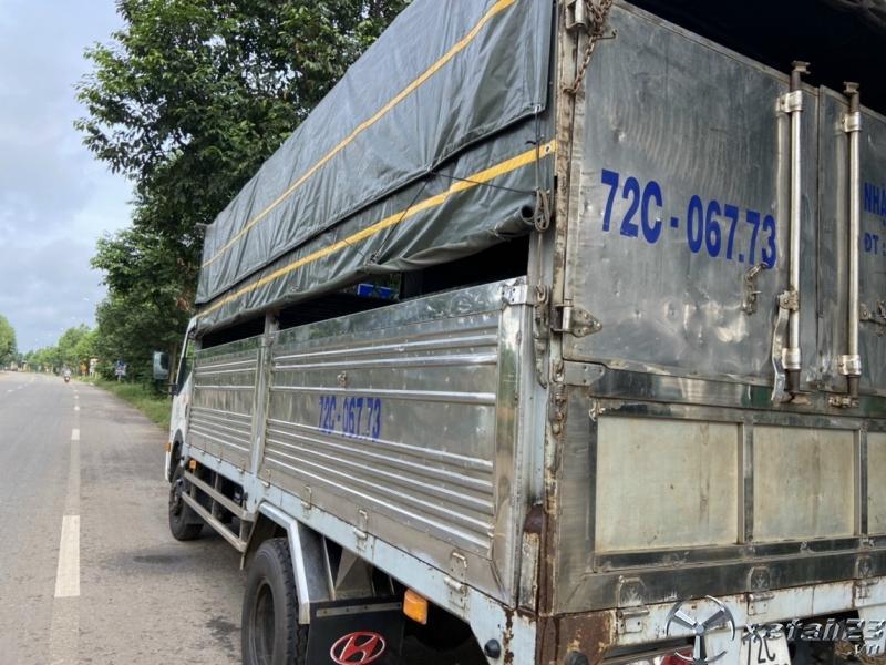 Xe Veam 6,5 tấn đời 2015 thùng mui bạt cần bán với giá 240 triệu , sẵn xe giao ngay