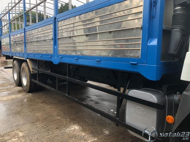 Xe tải CAMC máy Hino 3 chân