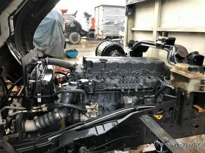 Bán Hyundai 3 chân cầu rút HD210 đời 2016 thùng mui bạt
